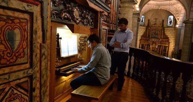 El músico onubense Álvaro González recibe el reconocimiento del Concurso Nacional de Jóvenes Organistas por su gran virtuosismo