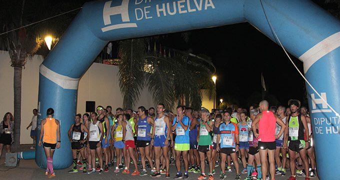 Un total de 447 atletas toman parte este sábado en la VI Carrera Nocturna 'Entorno de La Rábida'