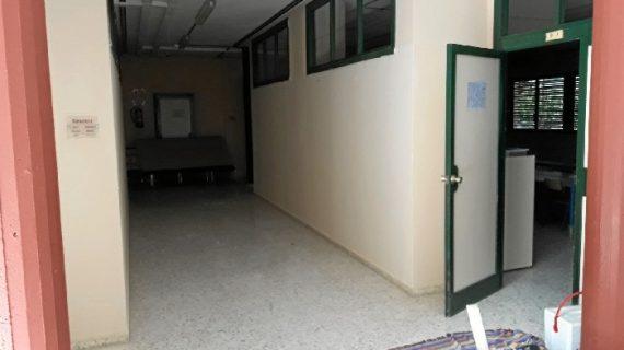 Almonte prepara el nuevo curso con el pintado de todos sus colegios, escuelas infantiles y centros de adultos
