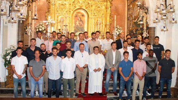 El Recreativo de Huelva de nuevo 'inicia' la Liga con la tradicional ofrenda de flores a la Virgen de la Cinta