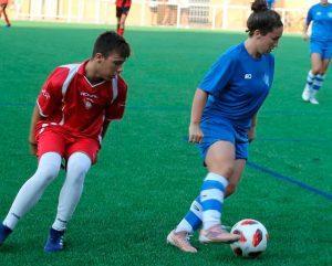 El primer partido del Sporting en la pretemporada ante un equipo masculino se saldó con empate. / Foto: @sportinghuelva.