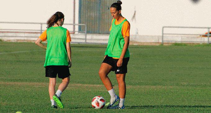 Las jugadoras del Sporting ultiman detalles a poco de entrar en la semana del debut en la Liga. / Foto: @sportinghuelva.