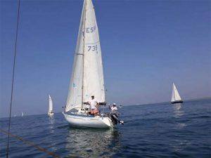 Un total de 16 embarcaciones y 57 tripulantes participaron la XVI Travesía-crucero a Isla Canela del Club Deportivo Náutico de Punta Umbría.