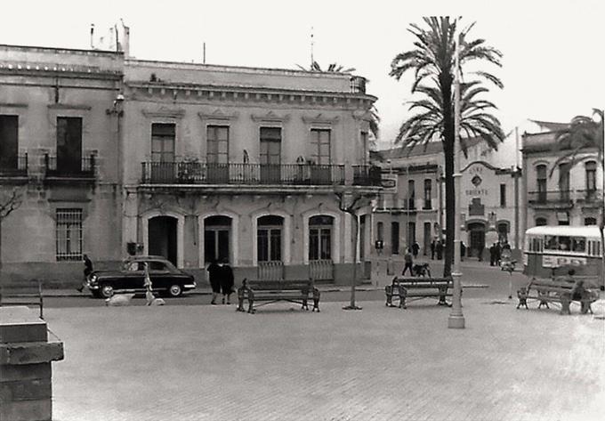 Plaza de la Merced de Huelva en la década de los cincuenta en el siglo XX