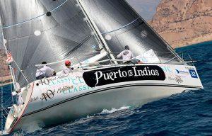 La embarcación del CDNPU dio una lección magistral en Almería.