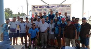 Participantes en el III Campeonato Provincial de Pesca en Kayak, una modalidad que suma adeptos.