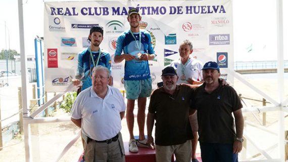 Álvaro Cabello Bernal conquista el III Campeonato Provincial de Pesca en Kayak