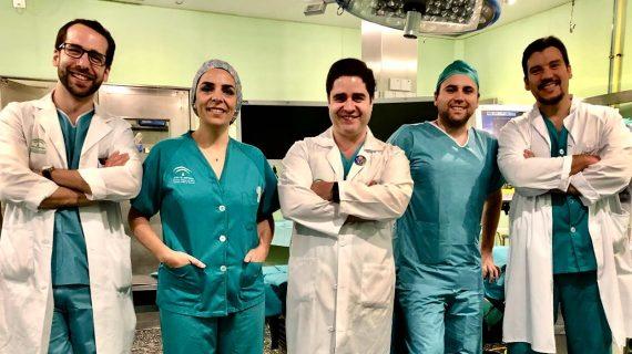 La Unidad de Cirugía del Hospital de Riotinto, liderada por el médico onubense Julio Gómez, pionera en una técnica para la hernia ventral