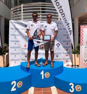 Los representantes del Real Club Marítimo de Huelva en el podio.