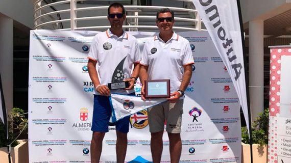 Satisfacción en el Real Club Marítimo de Huelva con el título de campeón de España de Curro Azcárate y José Luis Castilla