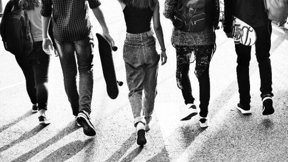 Más de 900.000 estudiantes de Secundaria y Bachillerato vuelven a las aulas este lunes en Andalucía