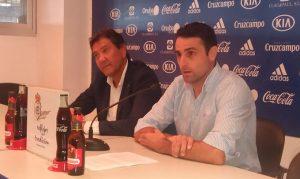 Antonio Núñez, junto al presidente del Recre, Manolo Zambrano, en la despedida del jugador. / Foto: @recreoficial.