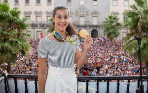 "Carolina Marín señaló que está ""orgullosa e ilusionada por compartir con todos los onubenses mi tercer título mundial""."