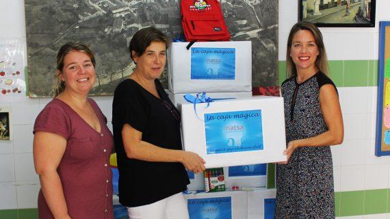 MATSA apoya la educación infantil con la entrega de material escolar en Almonaster la Real