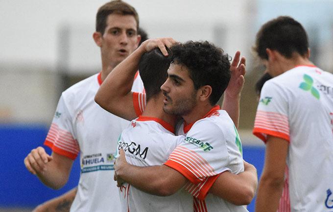 La Palma dio un alegrón a su afición después de ganar en Peñarroya. / Foto: David Limón.