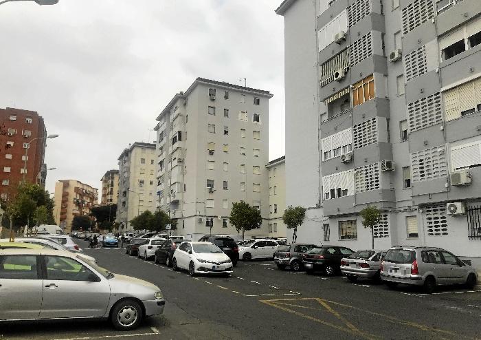 Abierto el plazo de solicitud para el alquiler de 104 plazas en el Parking de Los Rosales