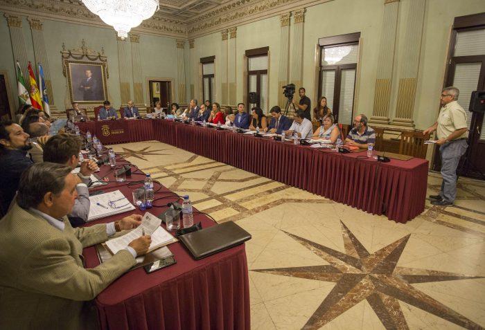 Unanimidad del Pleno para la retirada del título de Hijo Adoptivo de la Ciudad a Queipo de Llano, Gregorio Haro  y Henrique de Melo