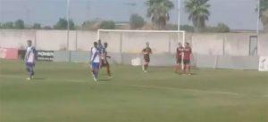 Los jugadores del Cartaya celebran el cuarto tanto, obra de Dani Pérez de penalti. / Foto: Captura de TV.
