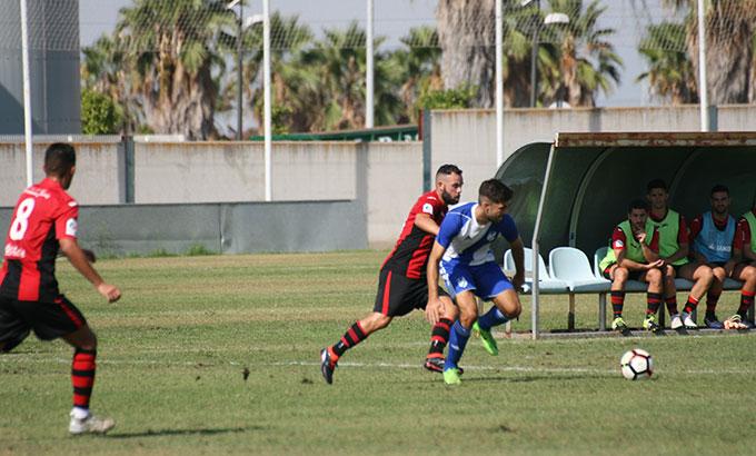 El Atlético Onubense tiene de nuevo el ascenso a tiro. / Foto: Jesús Manzano-Recrecantera.