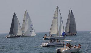 Los doce barcos que toman parte en la Regata Oceánica ya viajan hacia La Gomera.