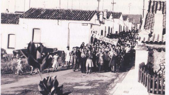 Manifestación en Minas de Riotinto en la década de los 70 del siglo XX
