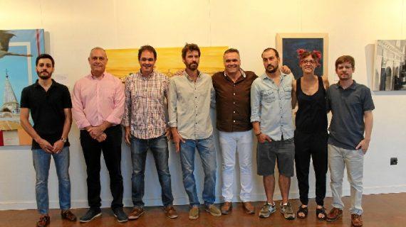 Doce artistas palmerinos exponen su visión de la Iglesia Parroquial de San Juan Bautista