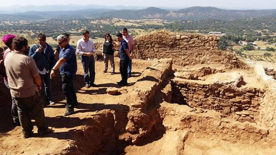 Descubren nuevos restos de la arquitectura doméstica andalusí en el Castillo de Aracena