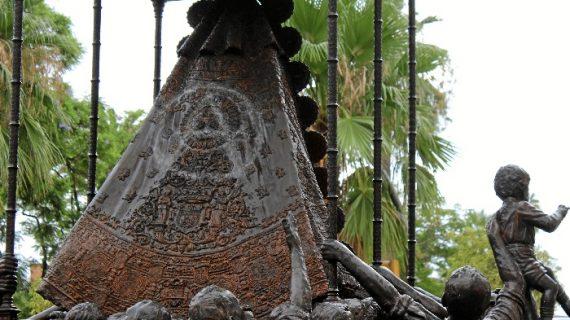Rehabilitado el monumento de la Virgen del Rocío tras ser objeto de una pintada