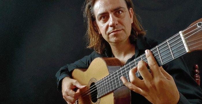 El guitarrista Antonio Dovao extiende su formación online a la lengua inglesa