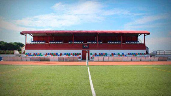 El Recre preparará el partido ante el Ibiza sobre la hierba sintética del polideportivo de Bonares