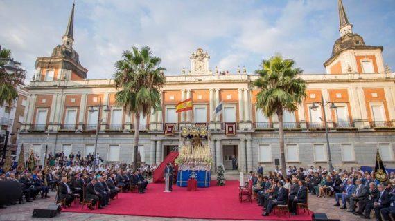 La Virgen de los Dolores recibe la Medalla de la Ciudad de Huelva