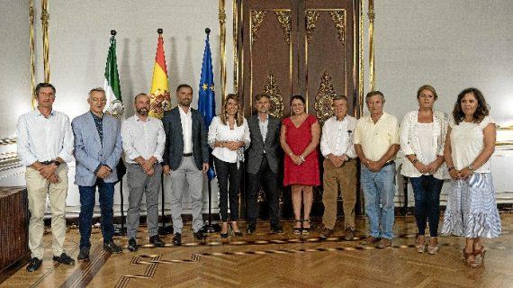 Susana Díaz se reúne en San Telmo con la Plataforma en Defensa de los Regadíos del Condado