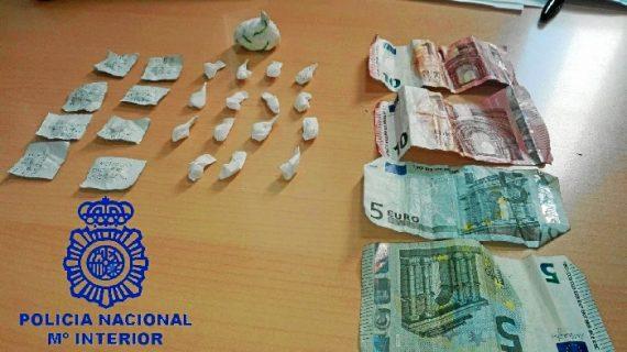 Detenida una persona por vender droga al menudeo en una conocida avenida de Huelva