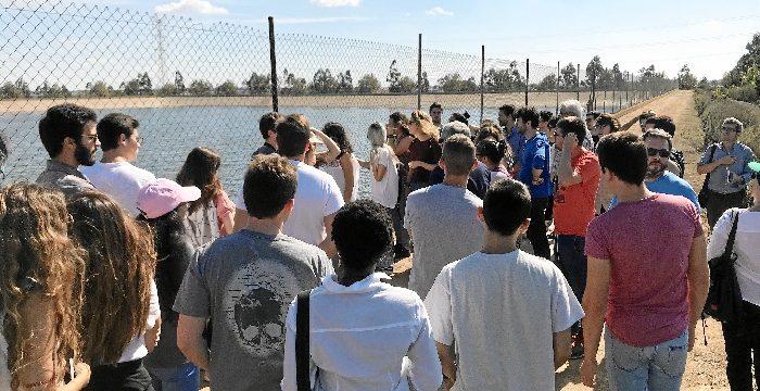 Alumnos de ingeniería visitan las instalaciones de la Comunidad de Regantes de Palos