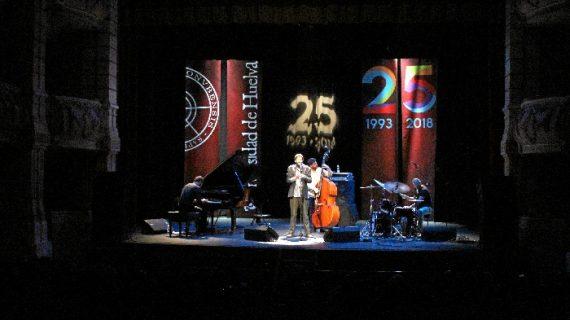 La exquisitez en forma de música llega al Gran Teatro de Huelva de la mano de Salvador Sobral