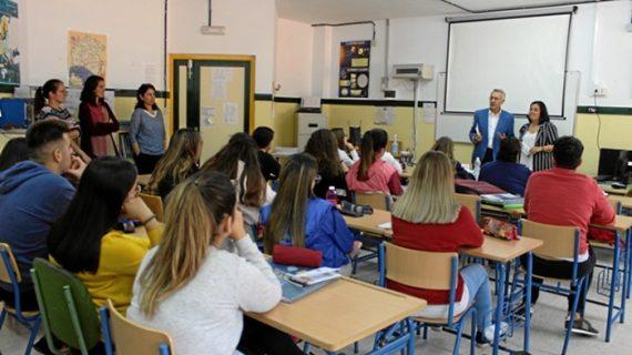La Mancomunidad del Condado promociona el programa Erasmus + entre el alumnado de FP