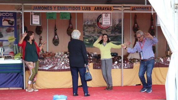 Degustaciones, actuaciones y el premio al mejor stand cierran este domingo la Feria de Otoño de Trigueros