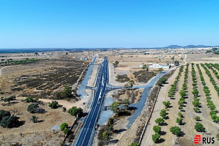 Los trabajos finales de asfaltado de la A-490 entre San Bartolomé y Villanueva de los Castillejos provocará cortes alternativos