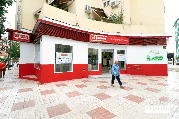 La cadena onubense 'Supermercados El Jamón' llega a Málaga capital