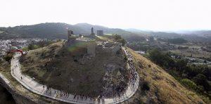 El castillo de Aracena fue salida y meta de la prueba. / Foto: Mario Guerra.