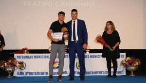 Uno de los galardonados a la Proyección Deportiva fue Álvaro Álvarez Márquez (fútbol).