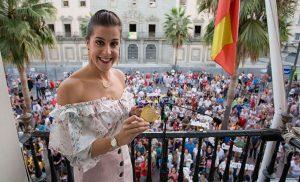 Los onubenses rindieron un emocionante homenaje a Carolina Marín.
