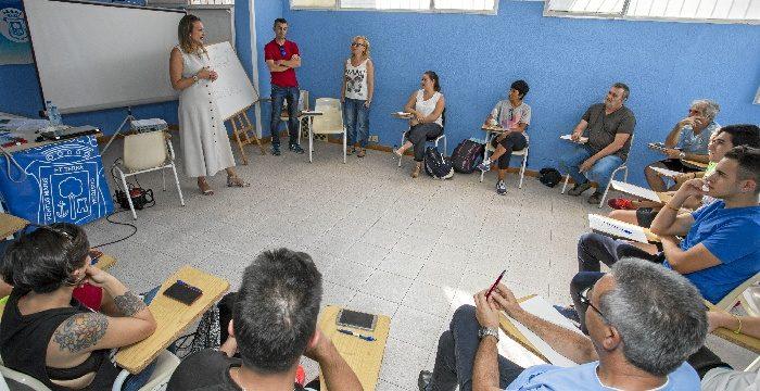 Un total de 17 monitores deportivos de Huelva reciben formación sobre valores