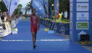 Emilio Martín agrandó un poco más su gran palmarés con la medalla de bronce en el Europeo de Duatlón en Ibiza. / Foto: Captura TV.