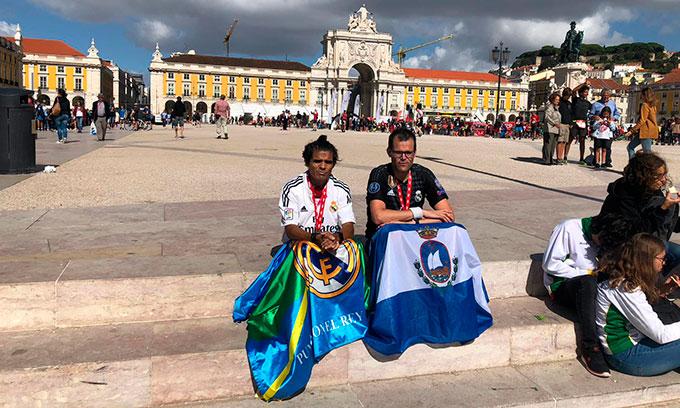 José Carlos Galván y Antonio Bendala, una vez concluida la prueba en la plaza del Comercio de Lisboa.
