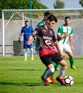 El Pinzón juega en la mañana del domingo en el feudo del Torreblanca. / Foto: @MariiMartin92.