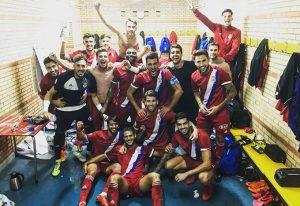 Foto de la alegría del Recre en el vestuario tras ganar en El Ejido y que colgó en su cuenta de twiter Marc Martínez.