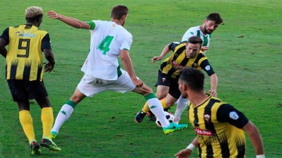 El San Roque hace lo necesario para ganar al Sevilla C pero se tiene que conformar con la pedrea del empate (0-0)