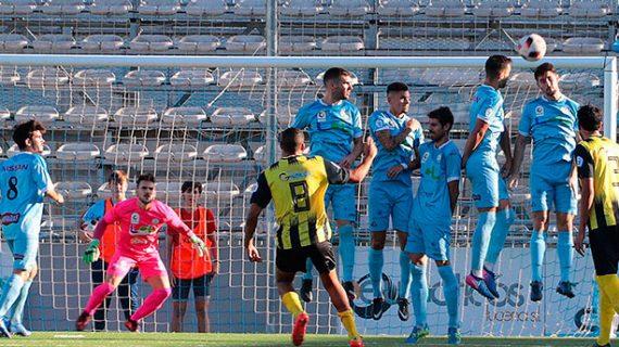 El San Roque pone a prueba sus síntomas de mejoría ante el líder del grupo X de Tercera División