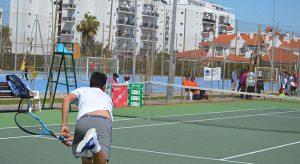 El Portil vive un interesante torneo de tenis esta semana.